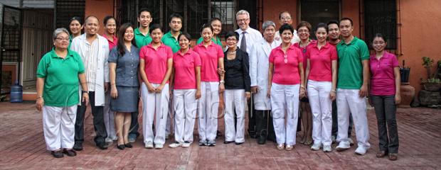Pfleger & Ärzte im Mabuhaii